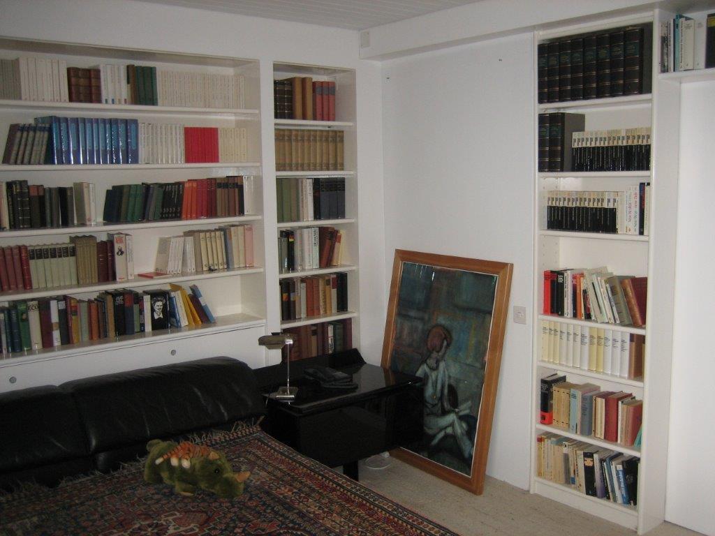 Bibliothek Im Schlafzimmer Friedrich Dürrenmatts (Dürrenmatt Privathaus)